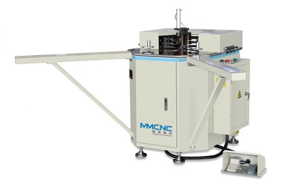 Sửa chữa máy sản xuất cửa nhựa